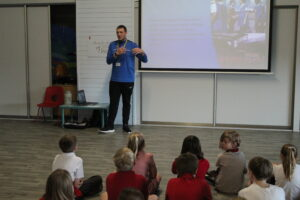 Students encouraged to 'Play The Right Way' | PL Primary Stars